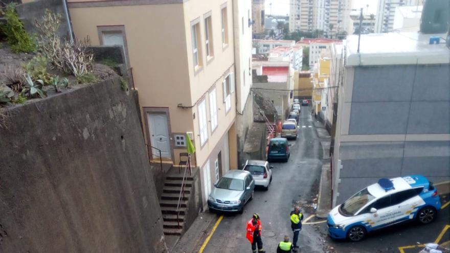 La lluvia deja 30 litros y varias incidencias en la capital