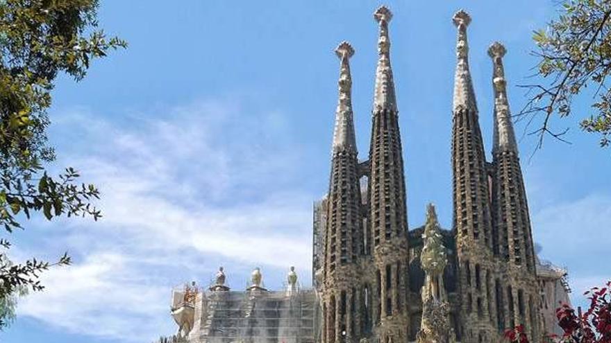 Acordonen l'entorn de la Sagrada Família i tanquen l'estació de Metro