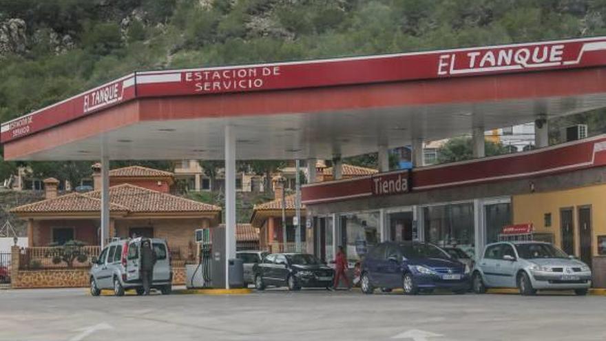 Cepsa logra un plan de pagos tras dejar sin combustible a los camiones de basura