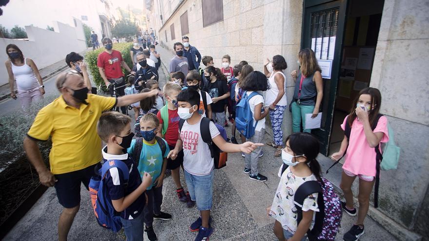 Denuncien que 10 infants de Girona es queden sense plaça a l'escola del seu barri