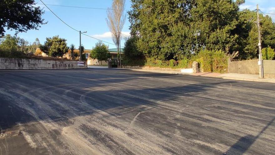 Redondela mejora el aparcamiento y el acceso al colegio Outeiro das Penas