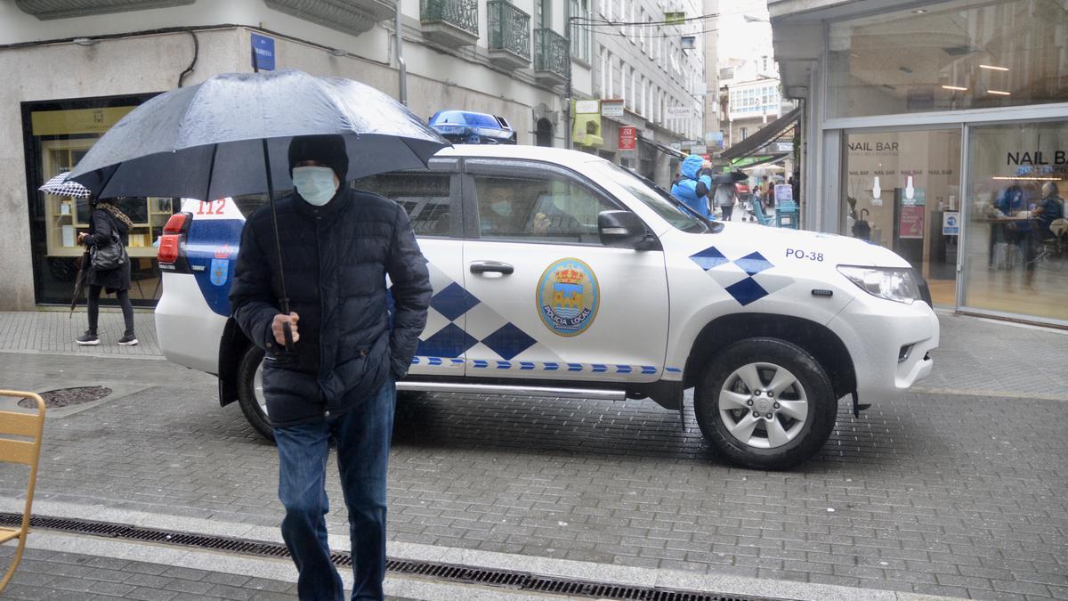 Una patrulla de la Policía Local en el centro.