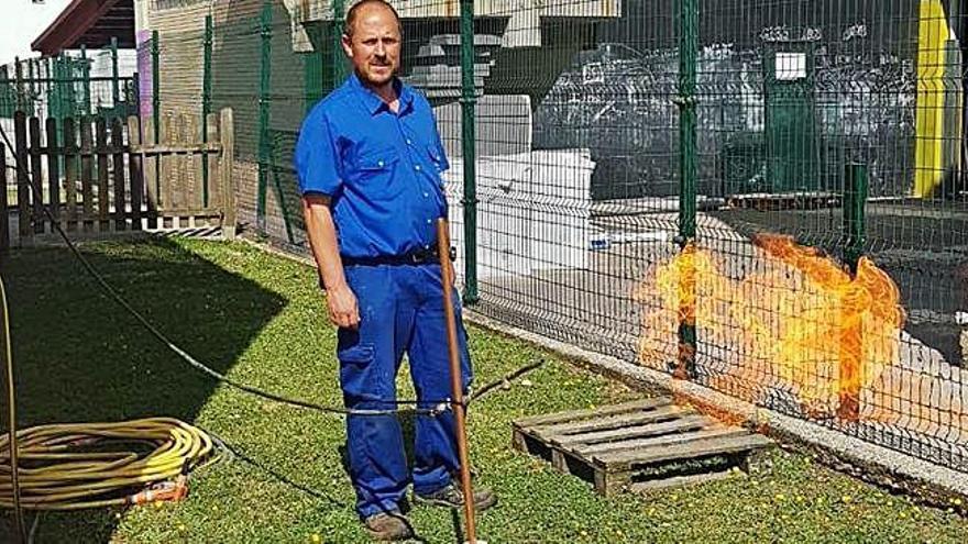 Carral localiza un depósito de gas natural sin inertizar en el patio de la Galiña Azul