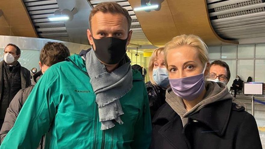 """Los equipos de Biden y Trump piden la liberación """"inmediata"""" de Navalni"""