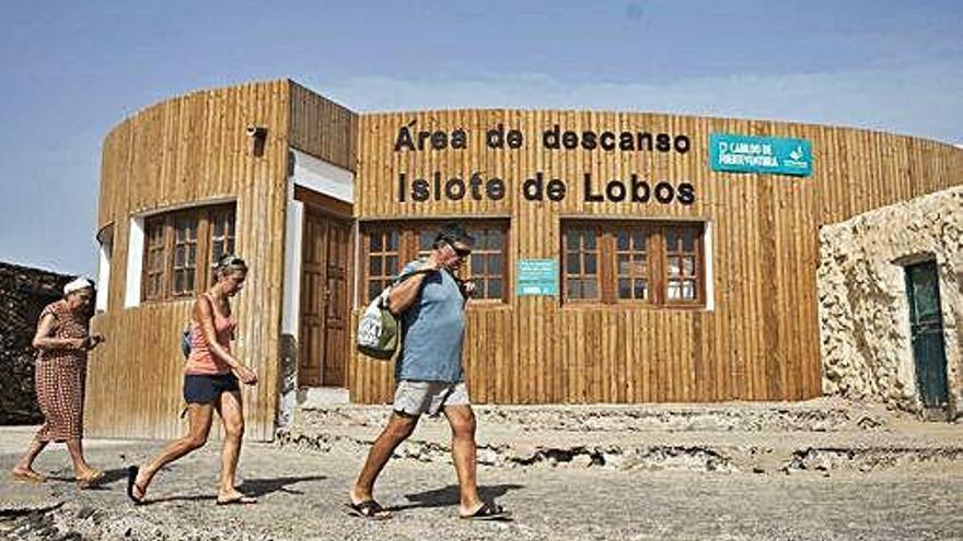 El Cabildo y la empresa que gestiona Lobos abordan una limpieza de choque