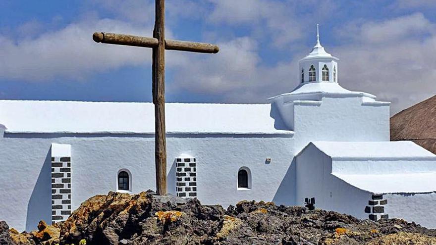 La milagrosa Señora de Los Volcanes tiende su manto sobre Lanzarote