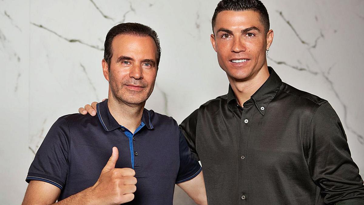El CEO del grupo Insparya, Paulo Ramos, y Cristiano Ronaldo.