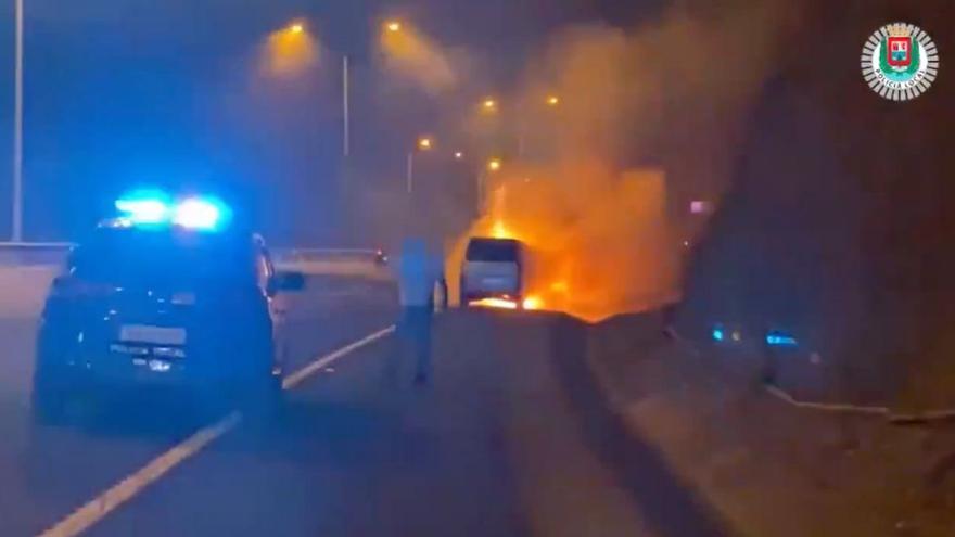 Arde un coche en la GC-23