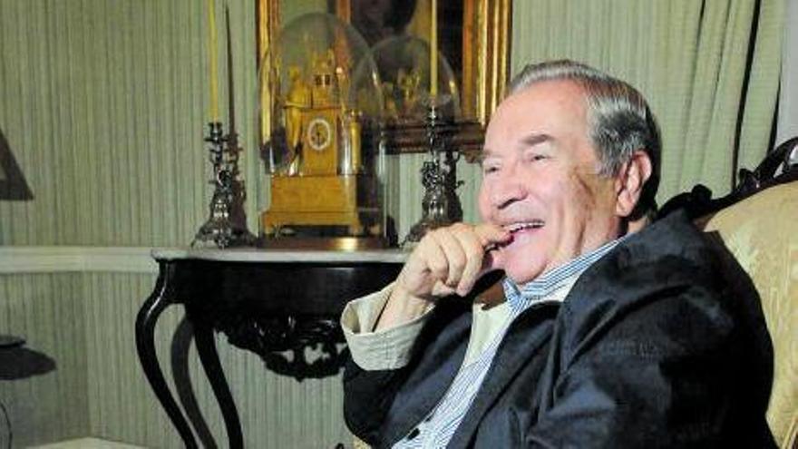 Jerónimo Saaevedra durante una  entrevista en su casa de la capital grancanaria.  // E.D.