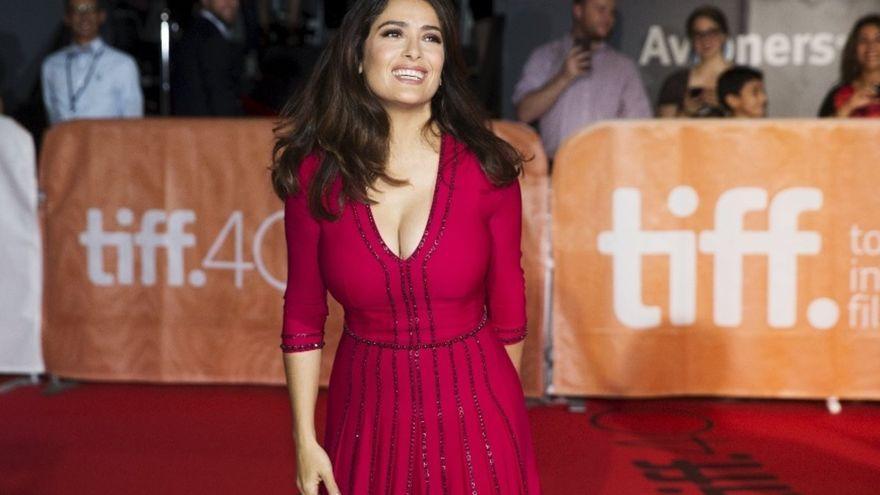 Salma Hayek también será presentadora en los Globos de Oro