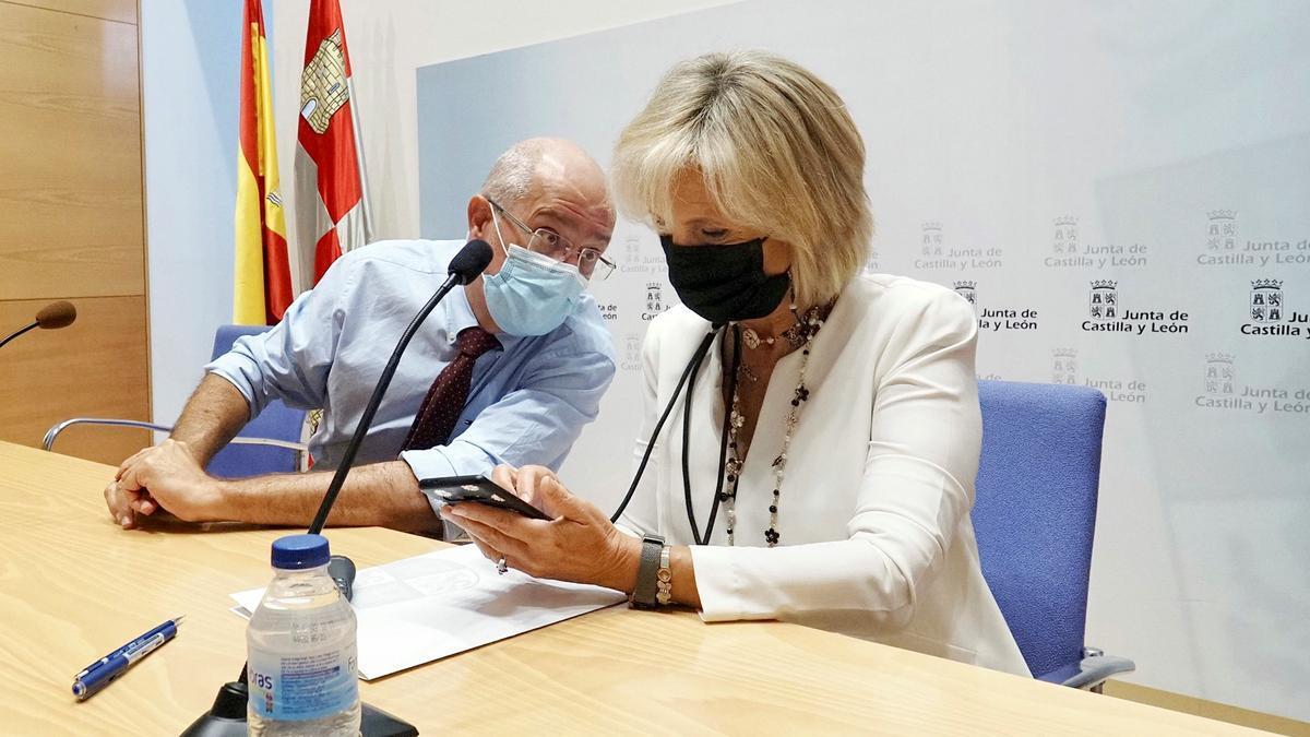 Igea y Casado, durante la reunión de hoy con los presidentes de la diputaciones provinciales.