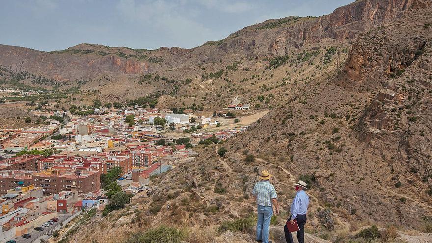 El Consell amplía la protección de 8.000 hectáreas de las sierras de Orihuela, Callosa y Crevillent