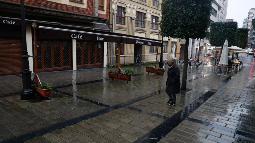Confusión en Avilés: las dudas del decreto adelantan el cierre de bares