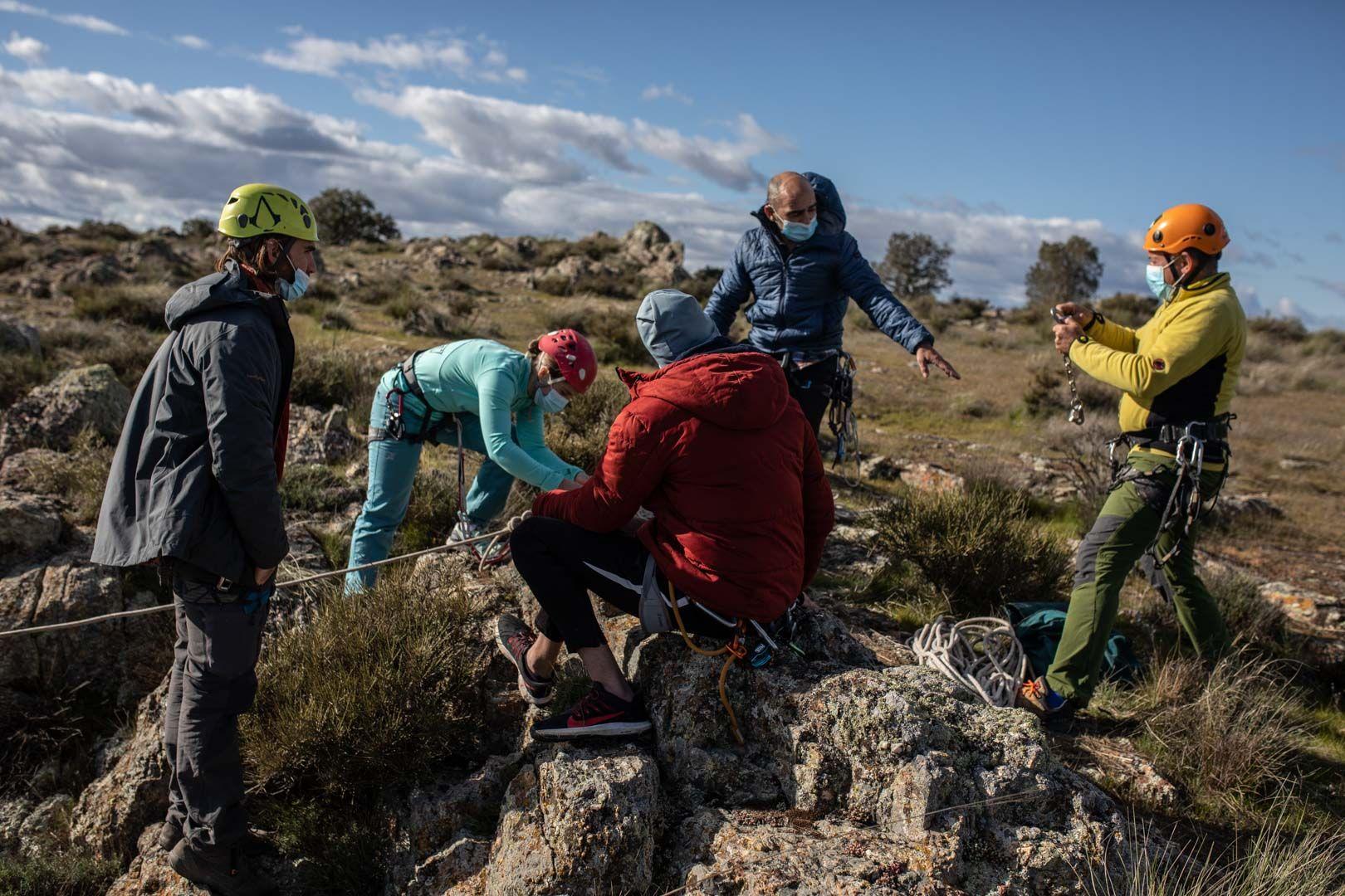"""Escuela de escalada """"El salto de la vieja"""""""