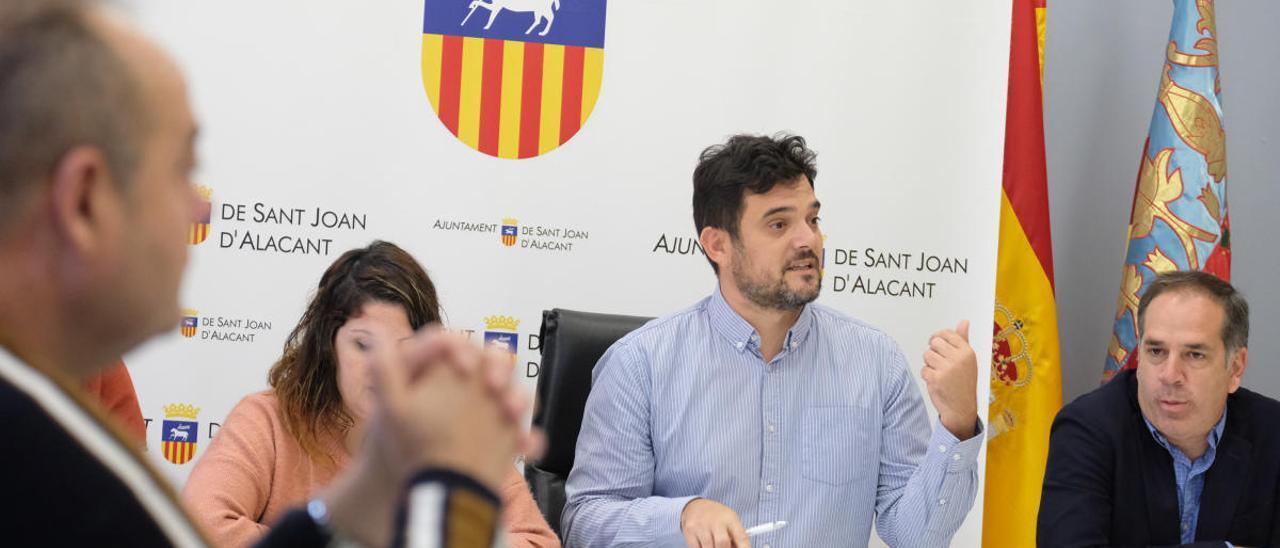 Albero propone destinar 3,6 millones para combatir la crisis en Sant Joan