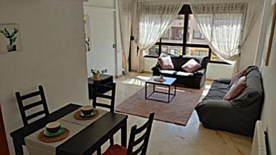 900 € Alquiler de piso en Camp Redó (Palma de Mallorca), 3 habitaciones, 2 baños, 2 Planta...