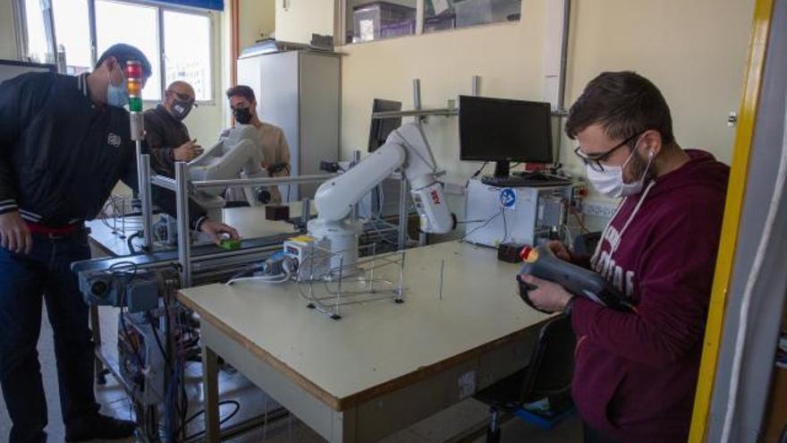 La robótica para la industria 4.0 sitúa al Instituto Cavanilles en la cima de la innovación nacional
