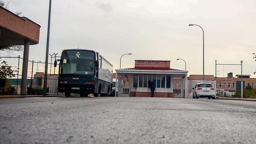 Envían a la cárcel a tres de los cinco funcionarios de prisiones de Madrid acusados de tráfico de drogas