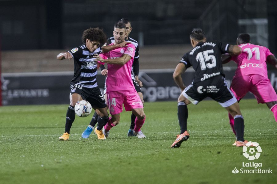 El Mallorca se pone líder de penalti (1-2)