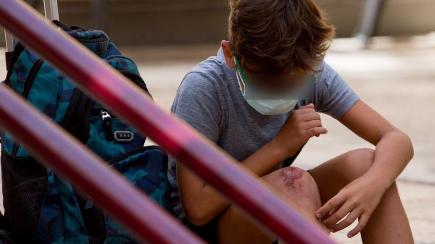 Educación mantiene el uso de la mascarilla obligatoria en los colegios
