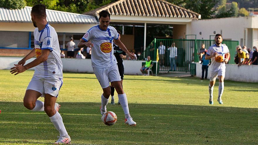 El Caravaca le endosa una goleada al Lorca Deportiva