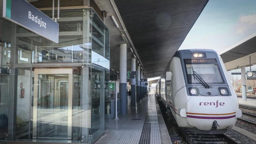 El 40% de los trenes de la región no circulan o se han reducido