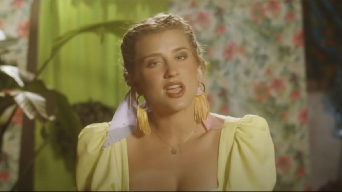Samantha Gilabert en el videoclip de 'Quiero que vuelvas'.