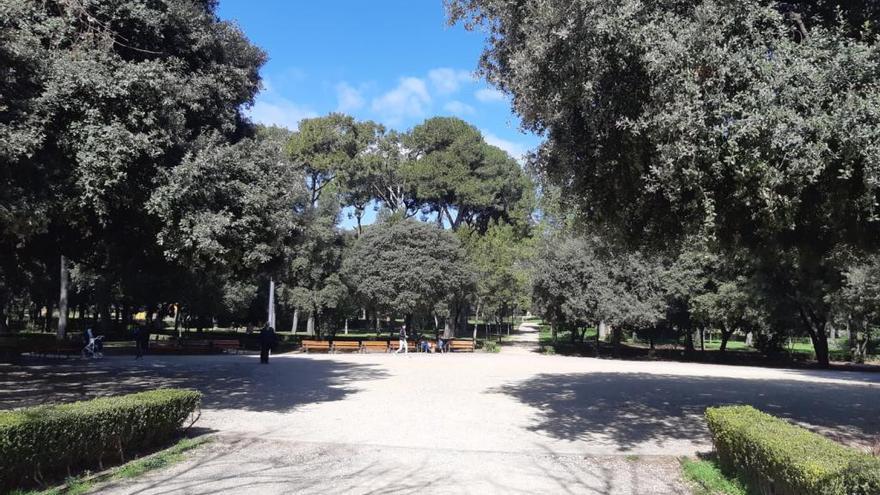 Isabel-Clara Simó dona nom a la placeta central del Parc bosc de Figueres