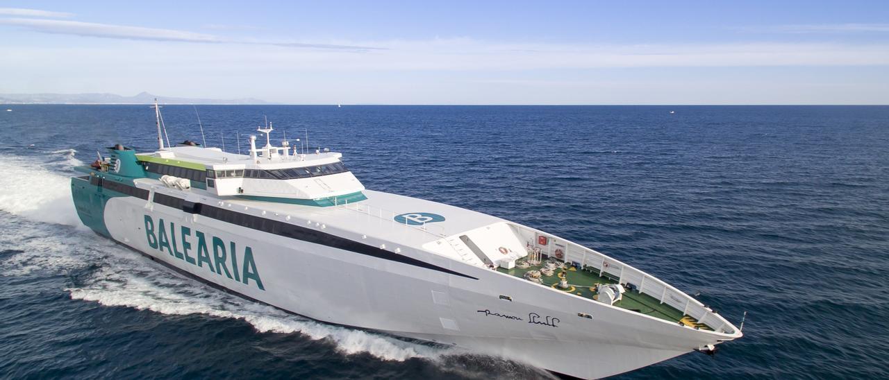 Uno de los buques de la compañía Baleària