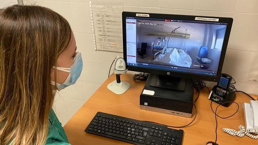 El Hospital de Antequera incorpora videovigilancia en la habitación de enfermos Covid
