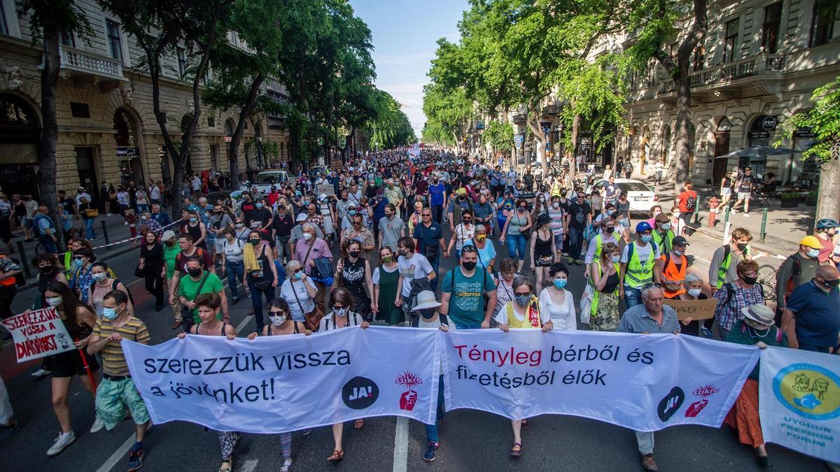 Imagen de la manifestación del sábado contra el proyecto de la Universidad de Fudan en Budapest.