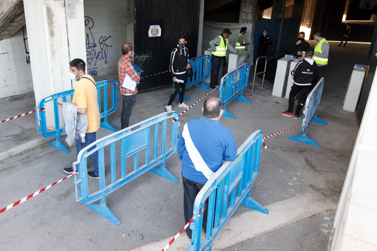 Vuelve el fútbol al Rico Pérez 235 días después con el Hércules - Atzeneta UE