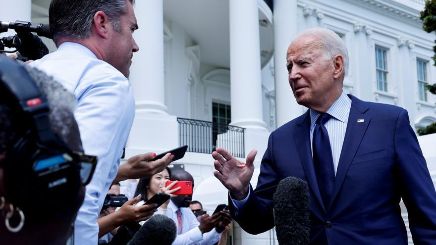 """Biden acusa a Facebook y Twitter de """"matar gente"""" por """"permitir"""" noticias falsas sobre la Covid-19"""