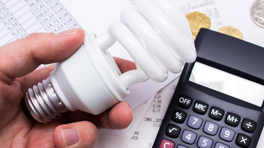 El recibo de la luz es un 5% más caro que hace un año