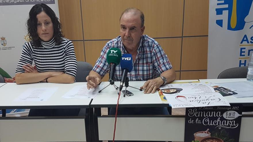 """La Asociación de Hostelería de Torrevieja arremete contra el Patronato Costa Blanca por """"deslealtad y abandono"""""""