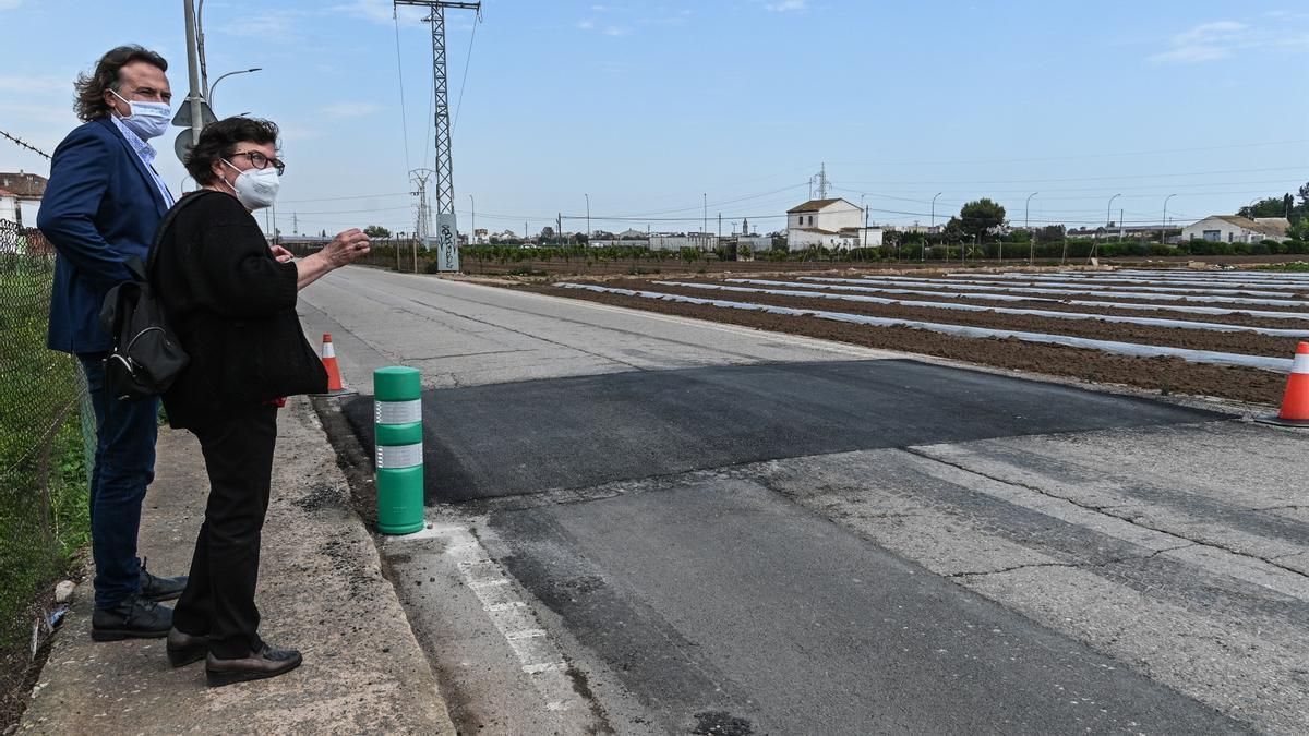 Actuación de pacificación del tráfico en el camino de Carpesa a Moncada