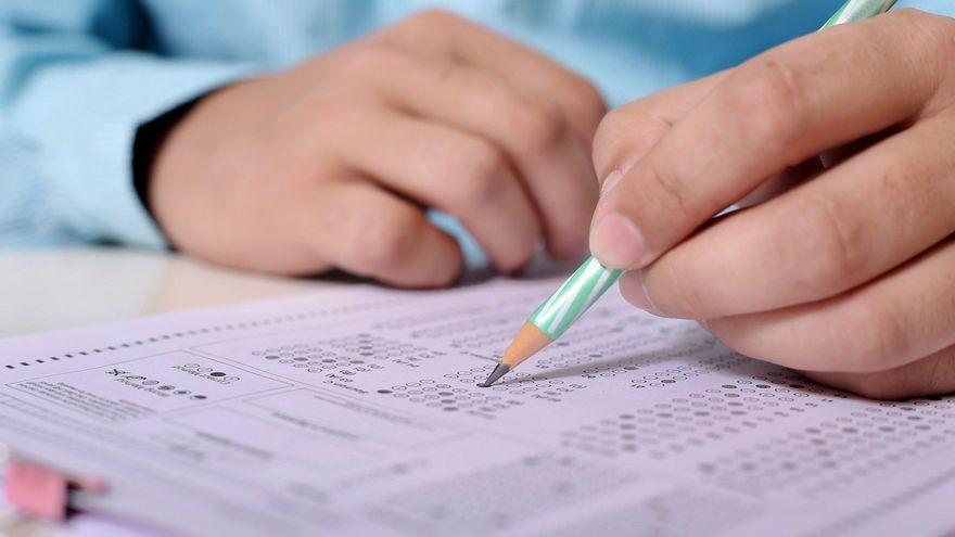 ¿Eres capaz de acertar todas las preguntas del nuevo test de la DGT? ¡Ponte a prueba!