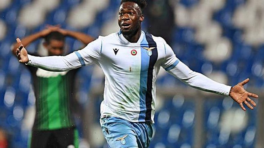 Felipe Caicedo salva la Lazio