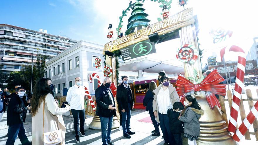 La Navidad llega a la Plaza Séneca de Alicante con un mercado de artesanía y una exposición infantil