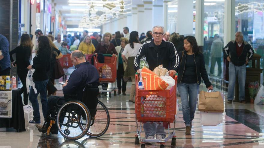 El TSJCV revoca la inclusión de tres centros comerciales de Alicante en la Zona de Gran Afluencia Turística