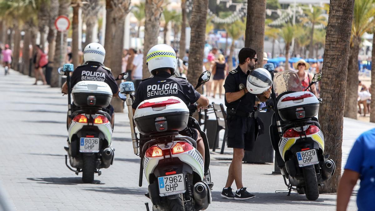 La Policía Local arrestó al sospechoso en mitad de su huída.