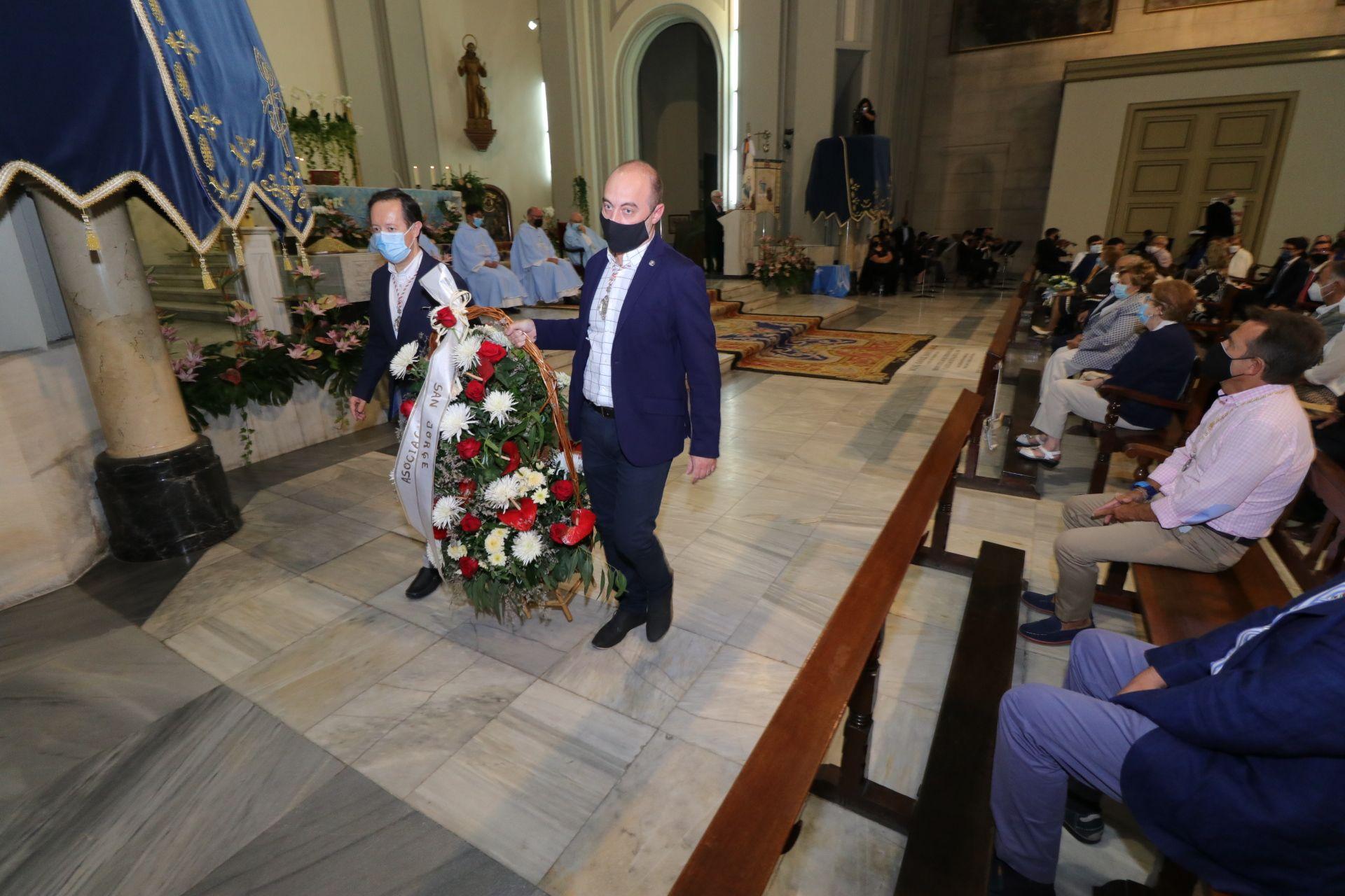 Ofrenda floral a la Virgen de los Lirios de Alcoy