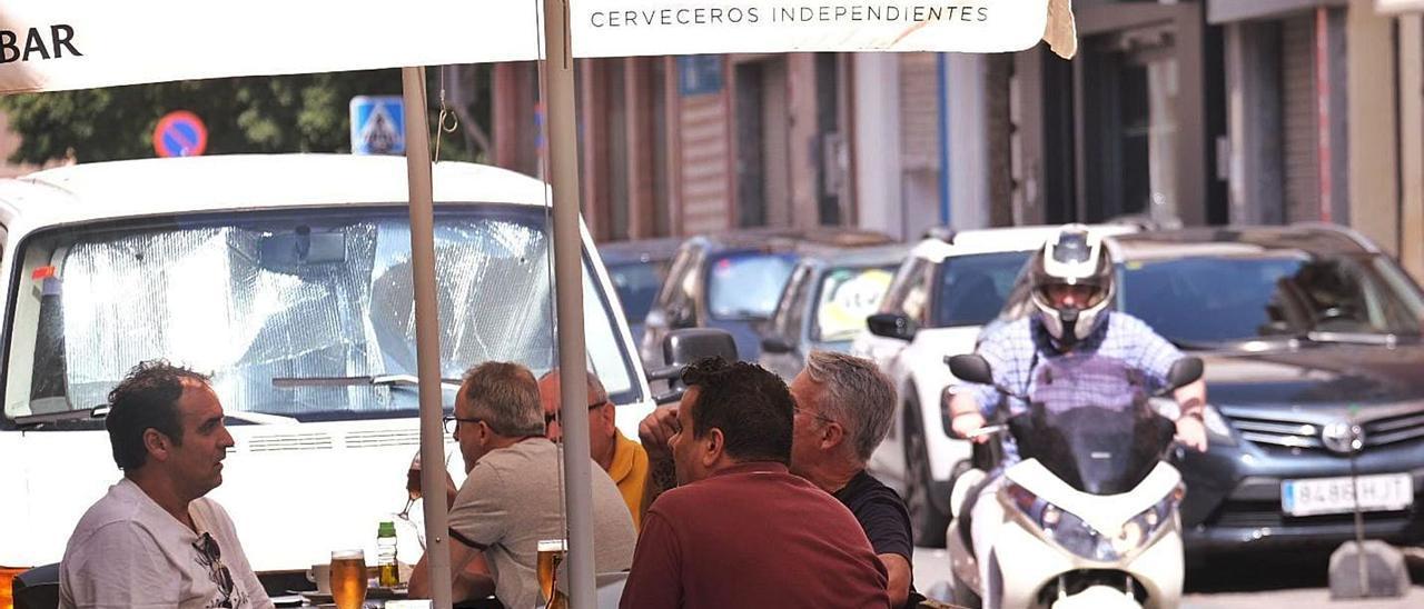 Los ayuntamientos revisarán la ampliación de las terrazas para evitar situaciones de peligro.