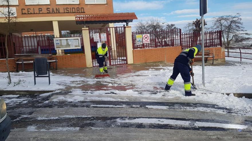 """El Ayuntamiento de Benavente """"respeta"""" el cierre de los colegios mañana en la ciudad, pero cree que es """"excesivo"""""""