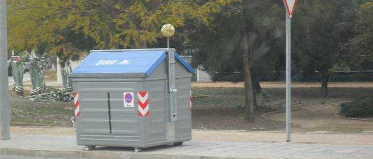 Nuevo contenedor de papel en Parc Tecnològic
