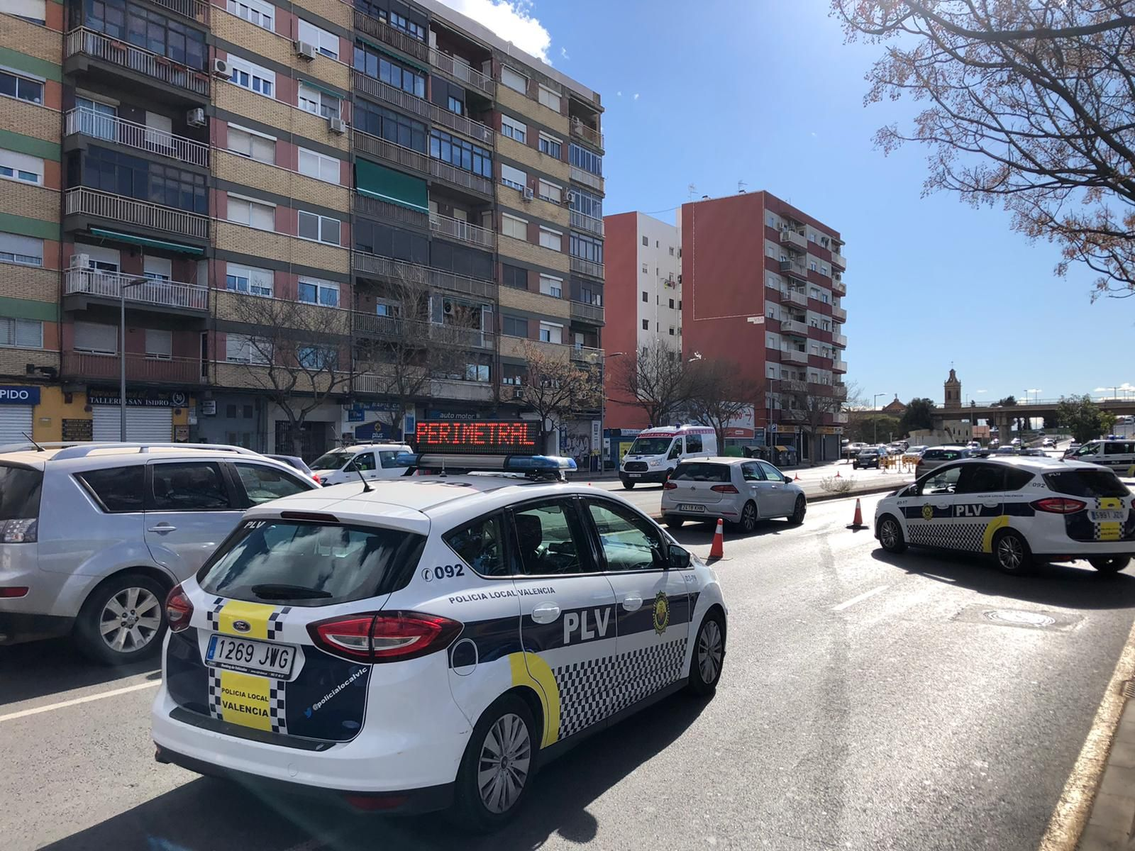 Atascos en los accesos y salidas de València en el tercer viernes de cierre perimetral