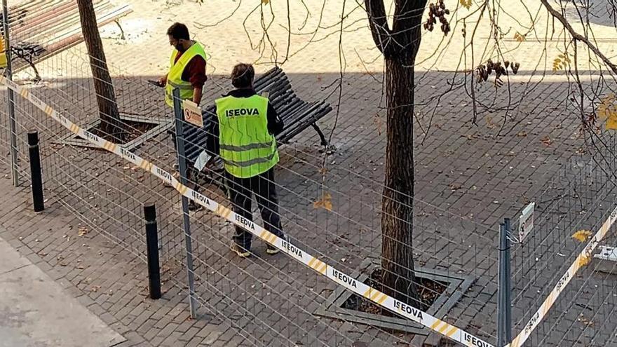 Preparatius per a les obres de cinc mesos al carrer del Balç
