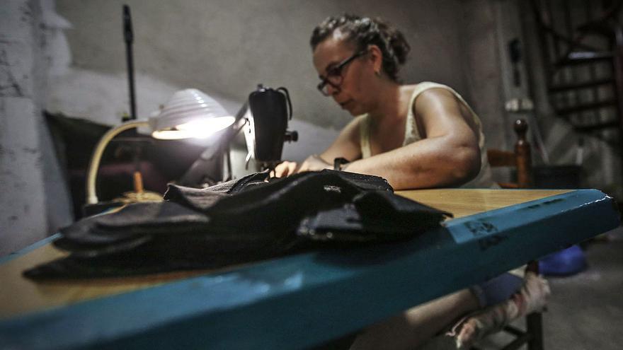 Un estudio concluye que el sector del calzado discrimina a la mujer y consiente el acoso empresarial