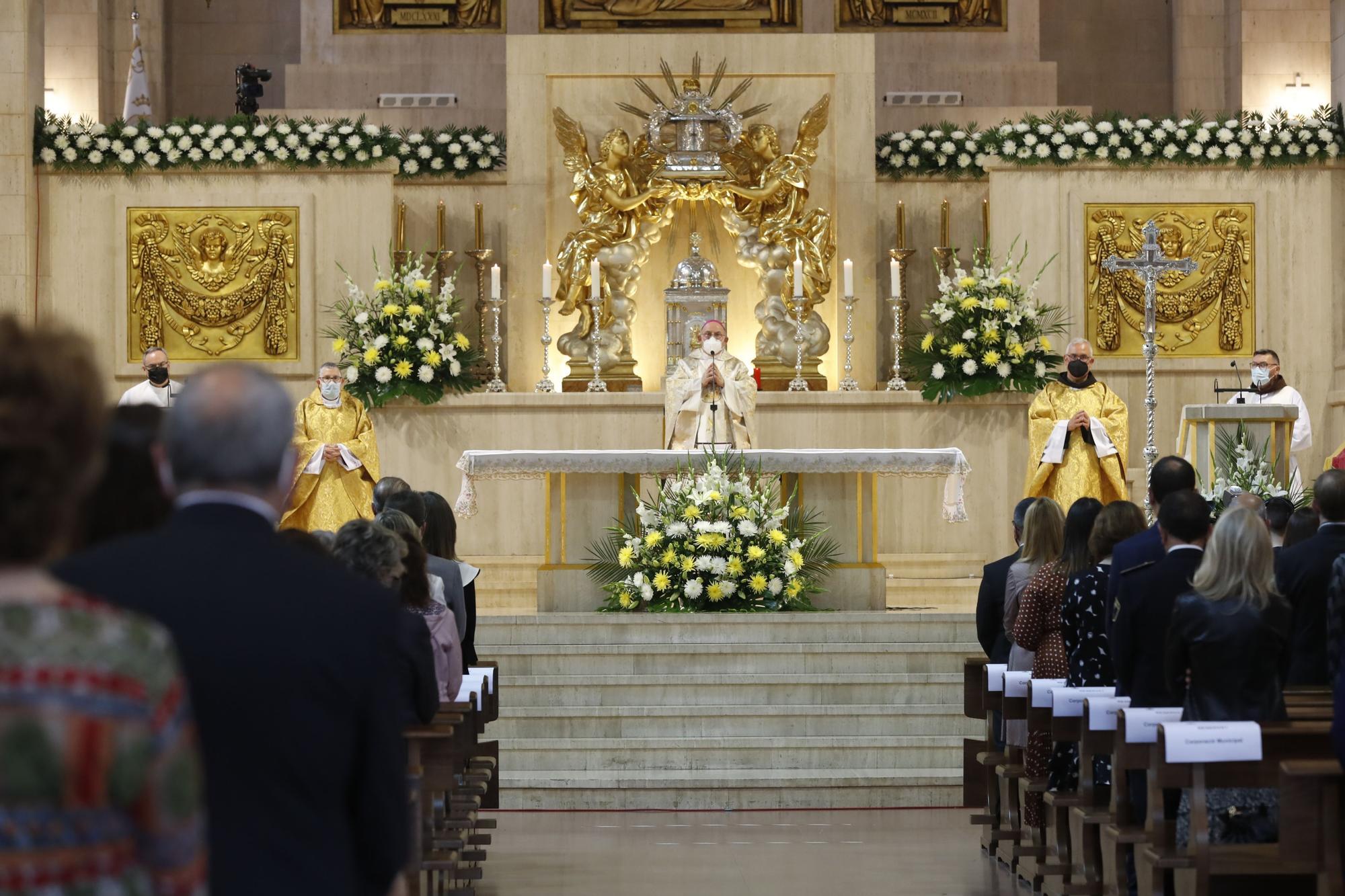 Día de Sant Pasqual en Vila-real, con misa y 'Xulla' en la intimidad