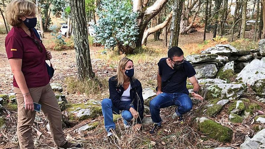 Arqueólogos buscan en Cíes indicios de una antigua herrería